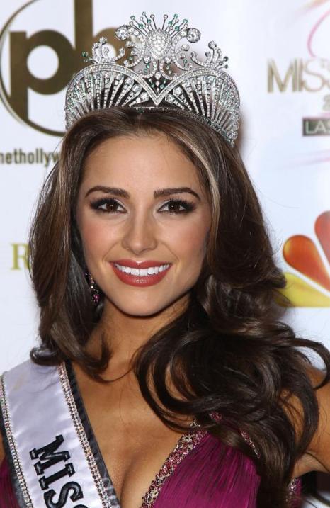 Olivia-Culpo-20-ans-de-Rhode-Island-remporte-Miss-USA