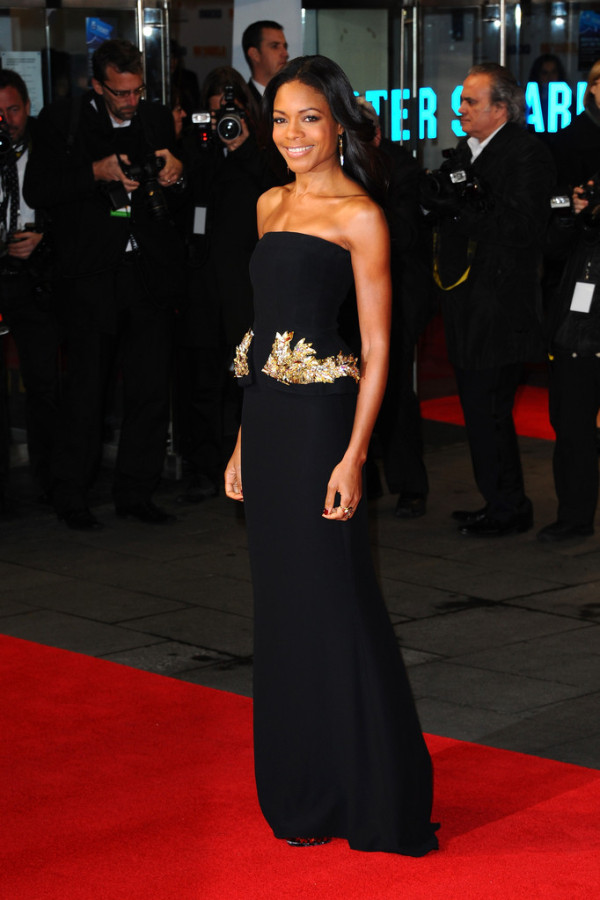 Naomie-Harris-in-Alexander-McQueen-Mandela-Long-Walk-to-Freedom-Royal-Premiere-5-600x900