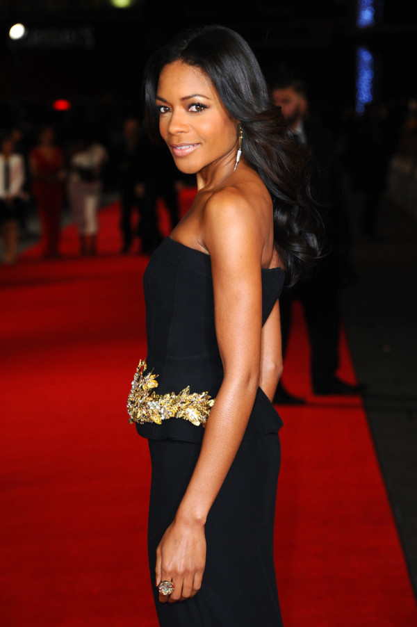 Naomie-Harris-in-Alexander-McQueen-Mandela-Long-Walk-to-Freedom-Royal-Premiere-6-600x902-1