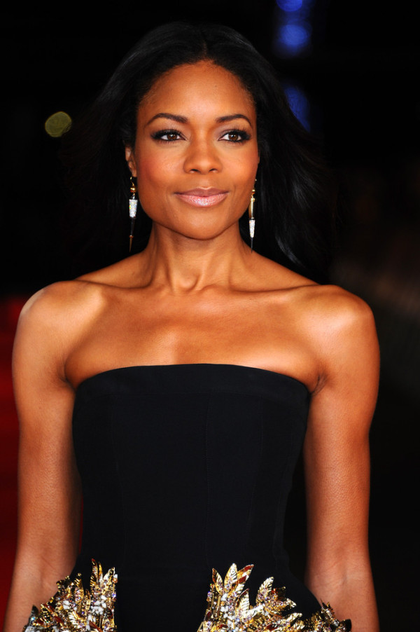 Naomie-Harris-in-Alexander-McQueen-Mandela-Long-Walk-to-Freedom-Royal-Premiere-7-600x902-1