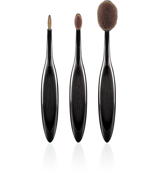 masterclassbrushcollection_lineup_300_942812688_north_545x