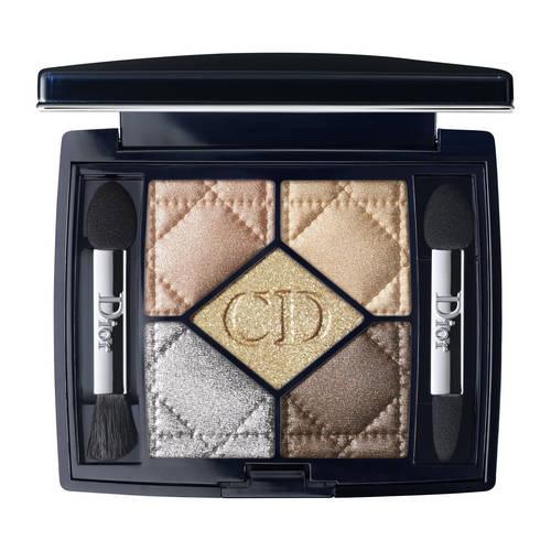 566 - Versailles Tel un dressing Couture du regard, le 5 Couleurs laisse libre cours à la créativité pour des maquillages sur-mesure. Dior a également imaginé deux regards prêt-à-porter, l'un naturel, l'autre sophistiqué, construits autour de la teinte centrale.