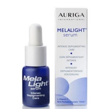 MELA LIGHT Sérum dépigmentant intense à base d'acide phytique et de vitamine C, pour mains, visage, cou et décolleté. Complexe modulateur spécifique régulant la synthèse de la mélanine.